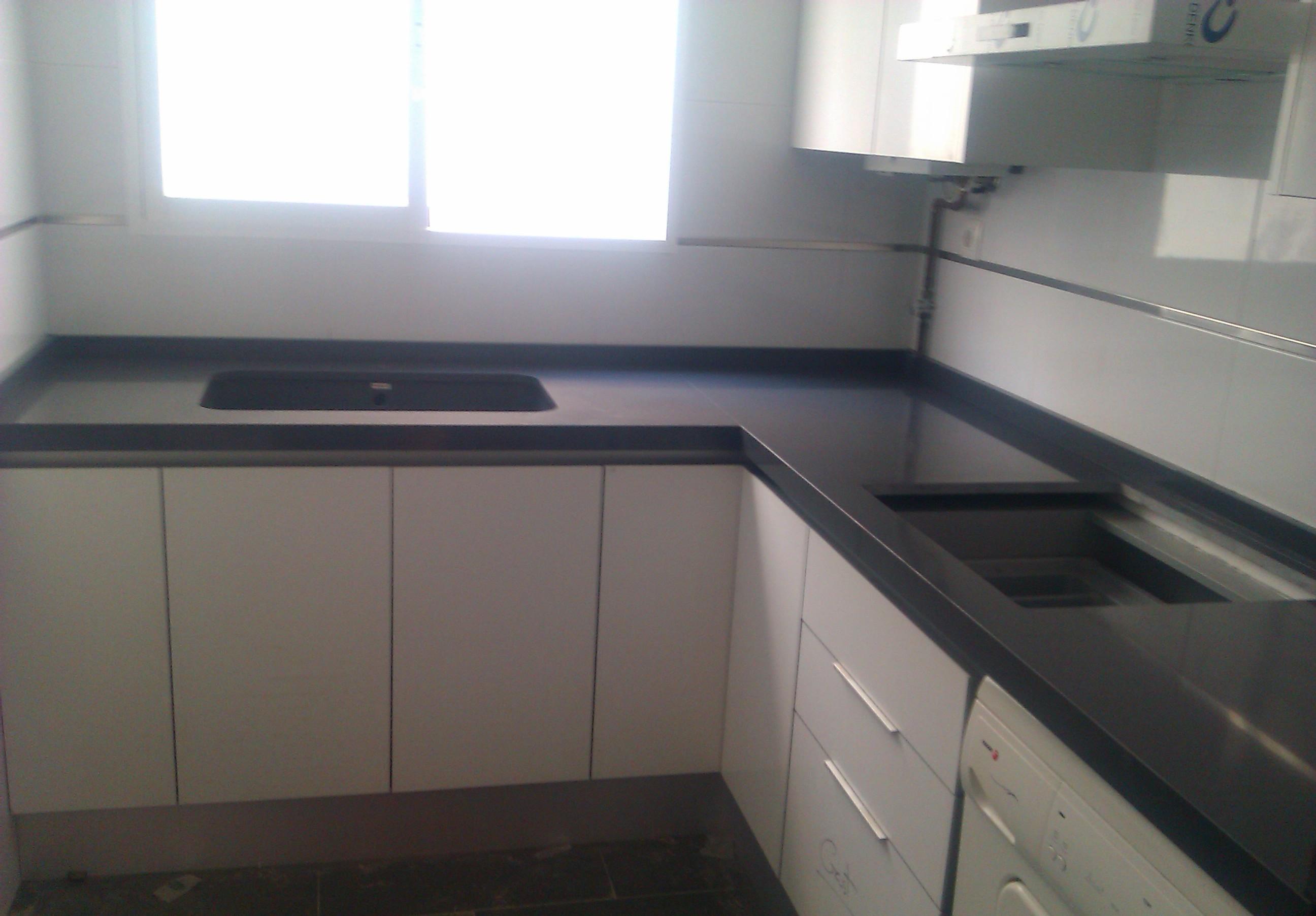 Marmoles vedat s l u encimeras para tu cocina o ba o for Encimera de granito gris